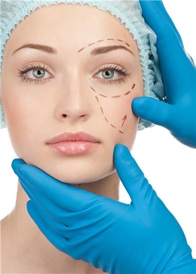 Παναγιώτης Τσικριπής - Χειρουργός Οφθαλμίατρος - Botox |