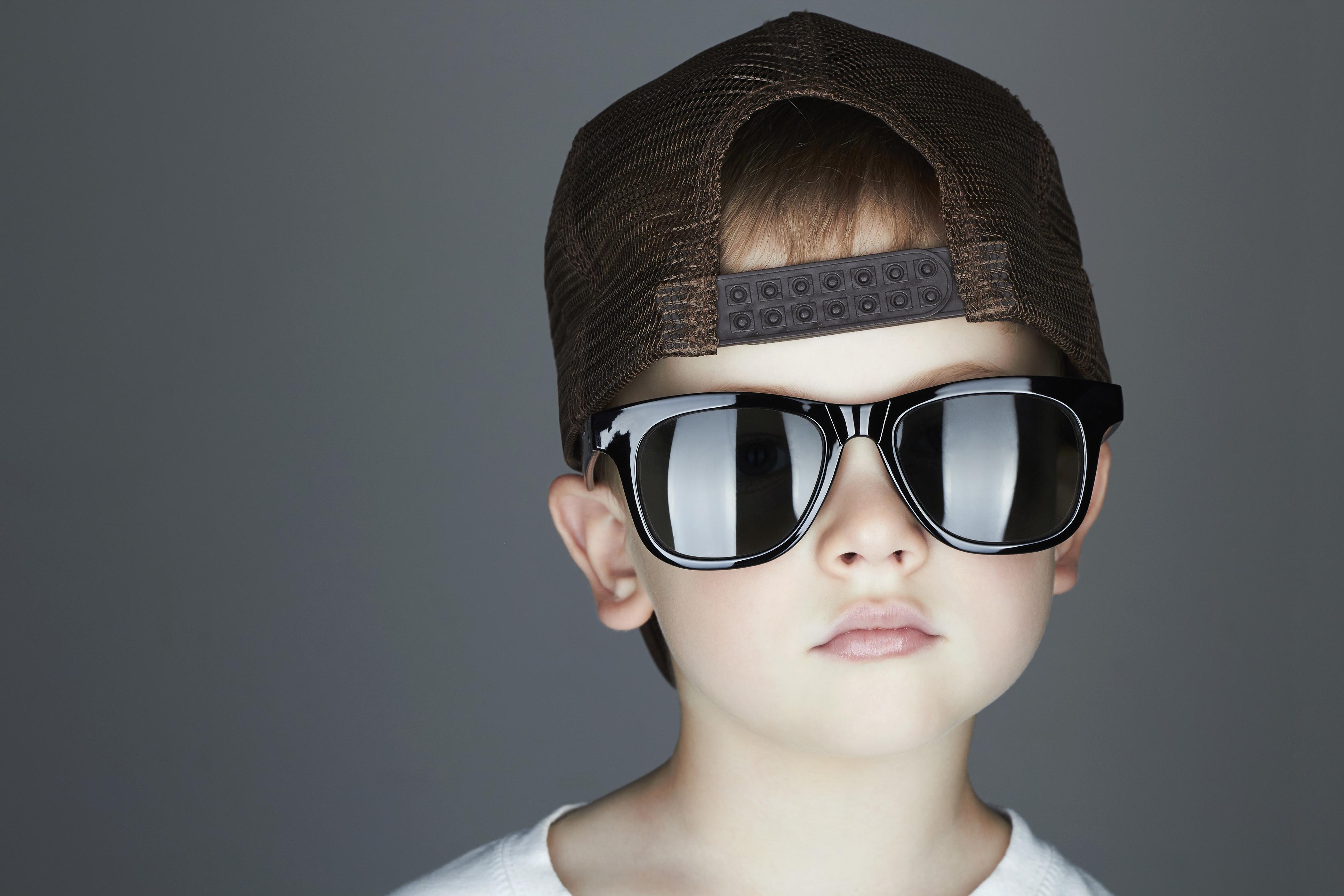 Ποια ειναι τα σωστα γυαλια ηλιου για τα παιδια;<